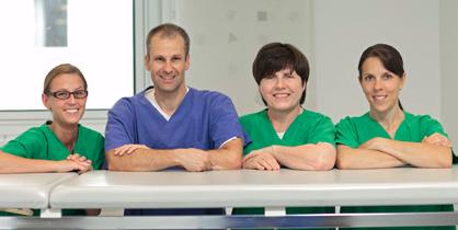 Prof. Dr. Seifert bei künstlicher Befruchtung