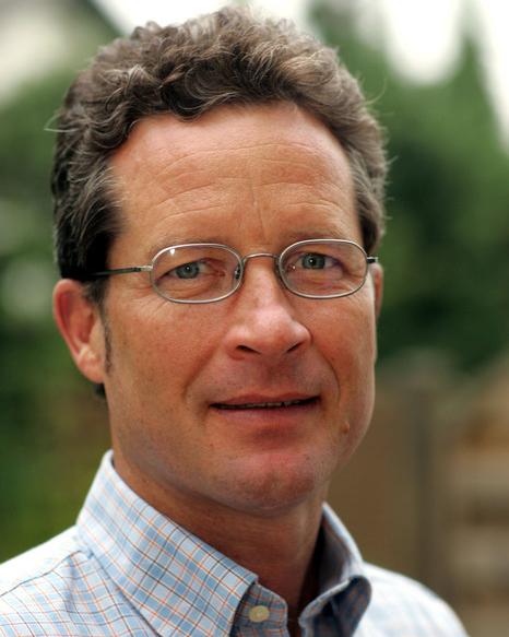 https://downloadimedode.s3.amazonaws.com/arzt_premium/69503-dr-karin-benner/Dr_Benner_Herr_Benner_Portrait_Anschnitt.jpg
